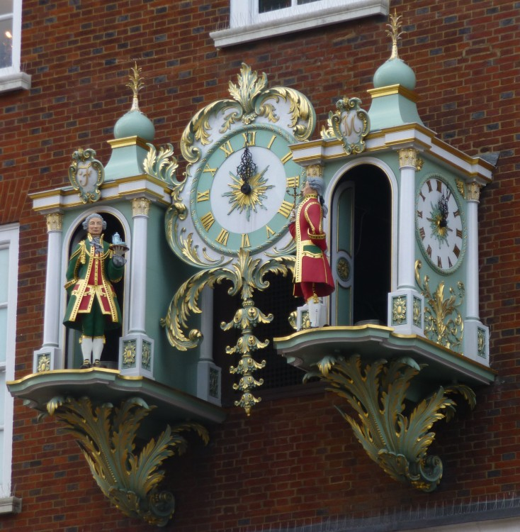 Back in Piccadilly - Fortnum and Masons' clock struck 12 just as we were passing