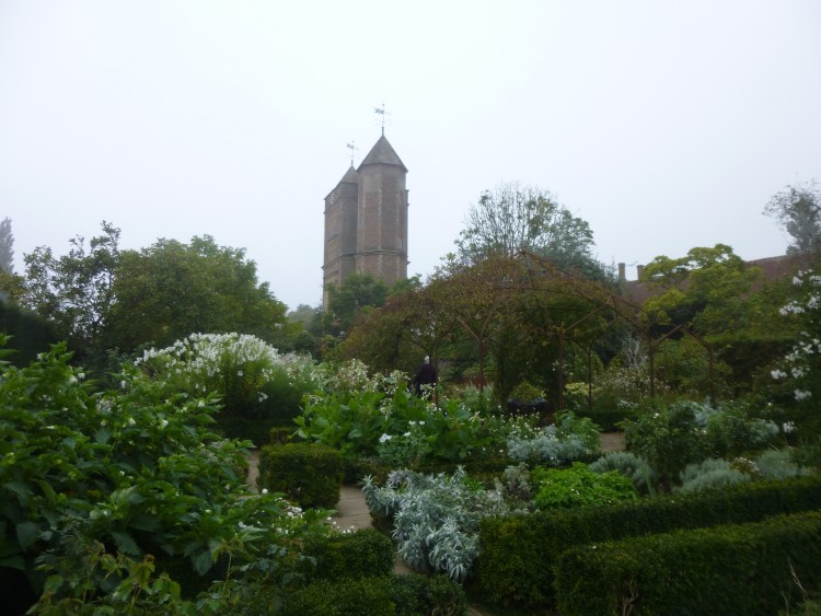 The Elizabethan tower at Sissinghurst from the 'White Garden'